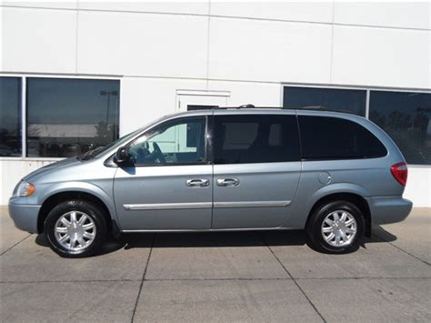 Used Chrysler Minivan by Chrysler Minivan Gmc Best Used Car Finds For