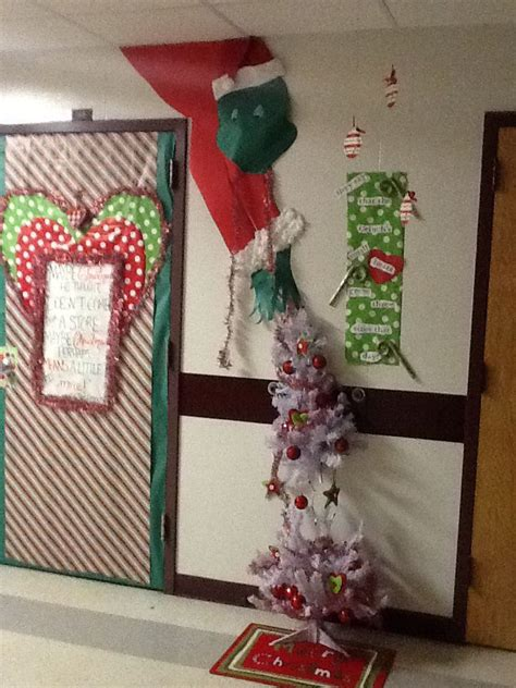 christmas door decorating ideas for contest pictures 2018 door contest decoration innovative grade img 3737 themed office