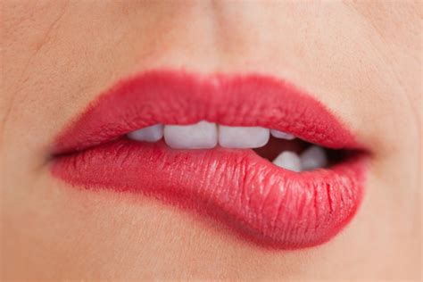 Brighten Up Your Smile With Sexysmile Lip Gloss by The Lying Guide 10 Ways To Spot A Liar The Destination