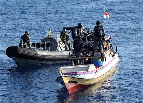 sea fox boats europe indonesia jakarta sinks three vietnamese fishing boats