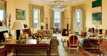 4 Bedroom Apartments In Chicago See The Obamas White House Private Quarters For The First