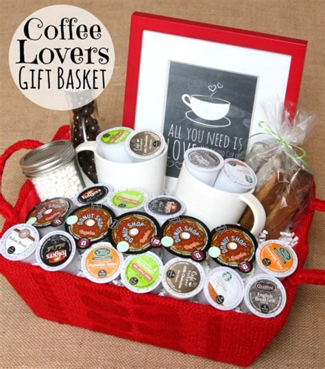 gift set ideas 32 gift basket ideas for