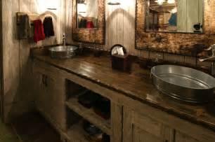 Rustic bath with galvanized wash basins home decor