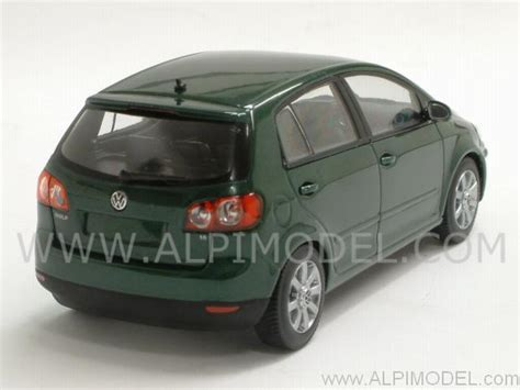 dark green volkswagen minichs volkswagen golf plus 2004 dark green metallic