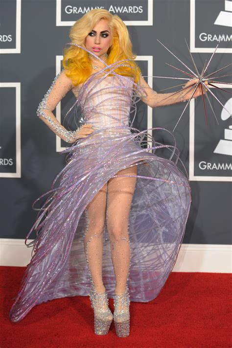 7 Grammy Looks You Can by The 10 Most Iconic Grammys Looks Of All Time Vogue