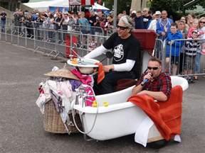 Edd China Sofa by Wheels Alive Edd China And The Wacky Record Breakers