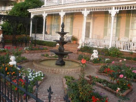 natchez bed and breakfast backyard picture of riverview bed and breakfast natchez