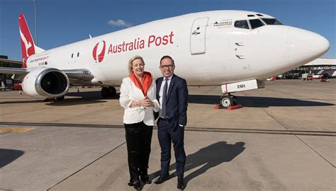 australia post  qantas freight renew agreement