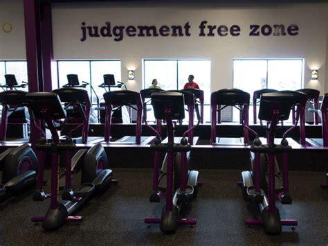 fitness 19 room planet fitness ends s membership complaint of in s locker room breitbart