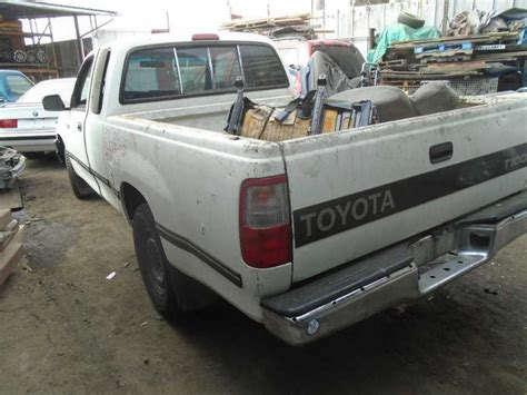 93 Toyota T100 93 94 95 96 97 98 Toyota T100 L Headlight 109372