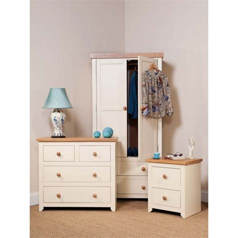 cream bedroom furniture jamestown 3 piece bedroom furniture set