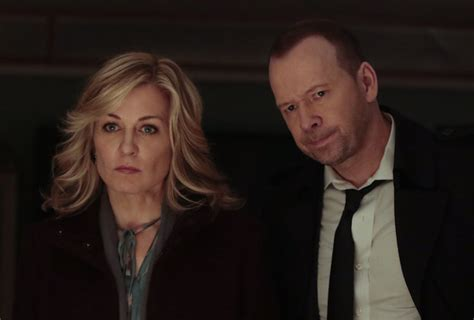 blue blood cast leaving blue bloods bombshell amy carlson opens up about that