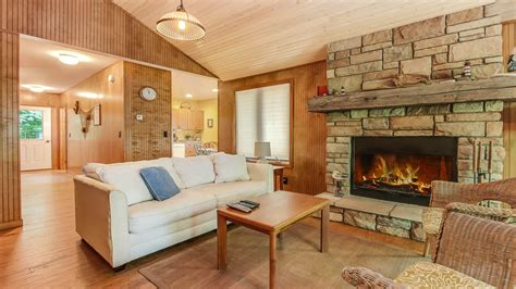 friendly vacation rentals the best lake michigan waterfront pet friendly vacation rentals lakeshore lodging