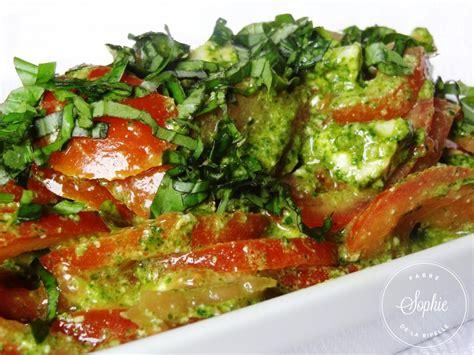 Tartes Du Soleil Salées by Salade De Tomates Au Ch 232 Vre Et Pesto La Tendresse En Cuisine
