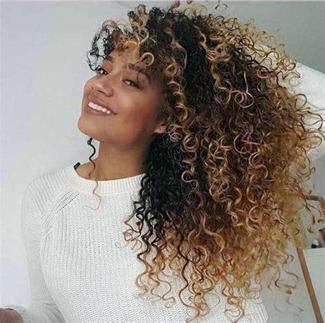 long curly honey blonde crochet hair for black woman 40 ombr 233 hair em morenas imagens como fazer v 237 deo