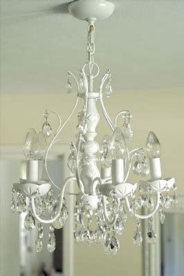 Diy Spray Paint An Old Chandelier For The Home Pinterest Spray Paint Chandelier