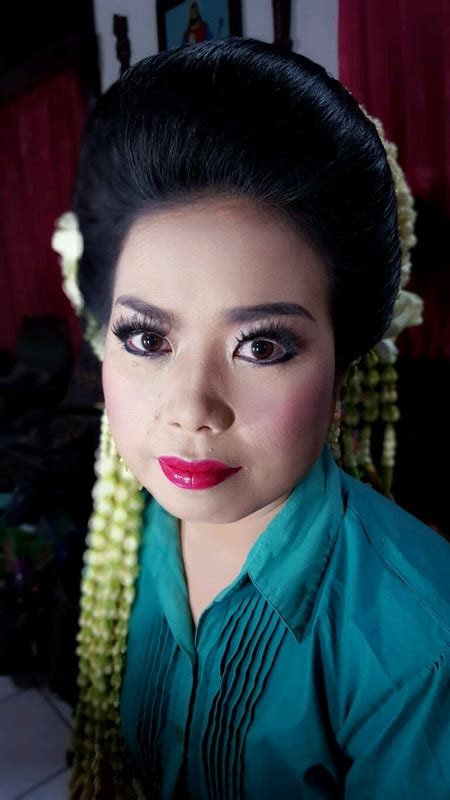 Make Up Pengantin Dewi Tian dewi sitompul 301015 eppy make up artist team