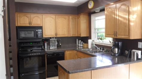 oak kitchen cabinets wall color kitchen wall colors with oak cabinets awesome house