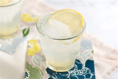 classic gin fizz cocktail recipe