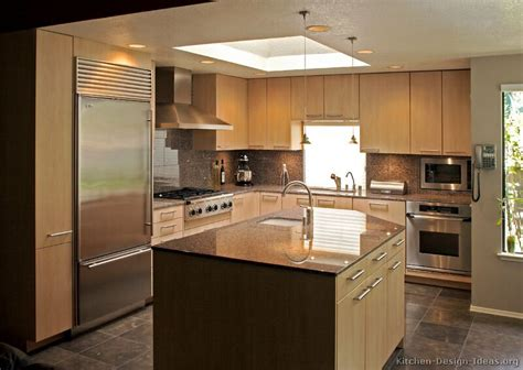 Contemporary Kitchen Lighting Modern Light Wood Kitchen Cabinets Pictures Design Ideas