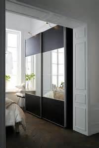 Portes Coulissantes Placard Ikea #1: placard-rangement-chambre-bois-miroir-ikea_5541149.png
