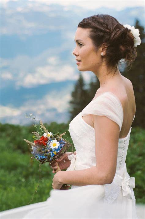 132525195x pieds nus dans la montagne un mariage boh 234 me dans les montagnes suisses mari 201 e