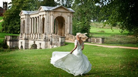 Five of the Best Outdoor Venues in London for Weddings