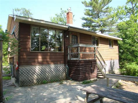 Sandpiper Cottage by Shady Point Family Cottage Resort In Buckhorn Ontario In
