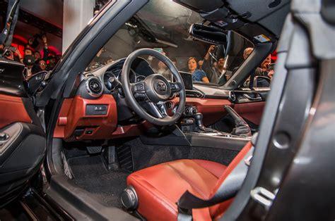 Mazda Miata Interior by 2017 Mazda Mx 5 Miata Rf On Stage Interior With Door Open