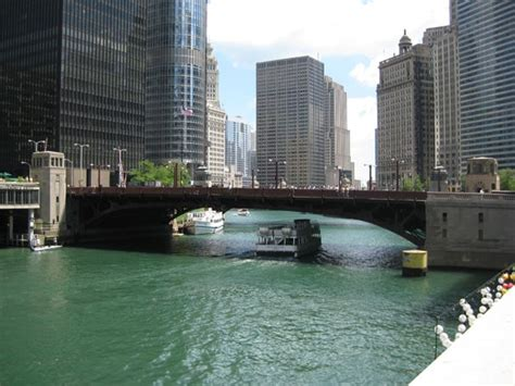 chicago river boat flip exploring chicago it s views shopping and lake 52