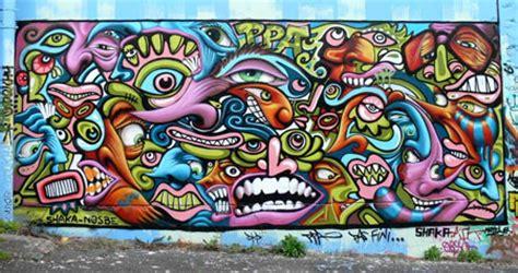 free graffiti 100 free graffiti fonts designfreebies