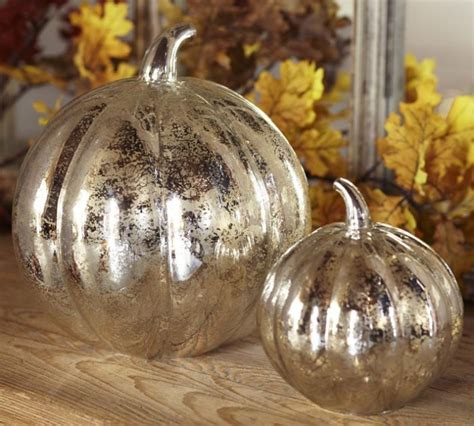 Glass Pumpkin Decorations by 15 Cool Decorations And