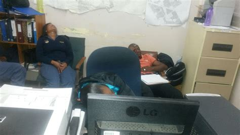 sondeza com videos cape town in pictures cops caught sleeping on duty enca