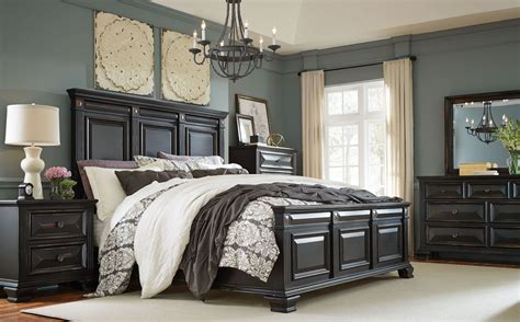 Passages Vintage Black Panel Bedroom Set, 86901 86902