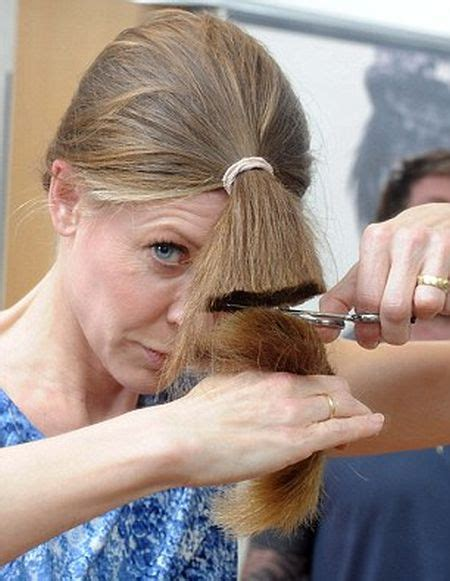 how to cut your own hair in a low cut female how to cut your own hair 3