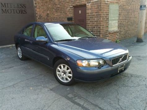 find  volvo sr turbo awd winter pkg  awesome drives great safest car  earth