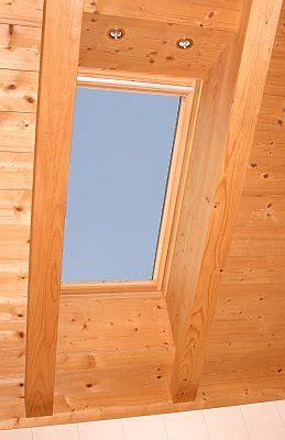 beleuchtung sichtdachstuhl velux und roto dachfenster