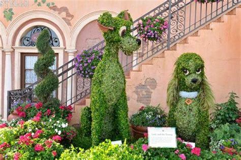 imagenes de jardines tematicos la dama y el vagabundo en arte topiario plantas
