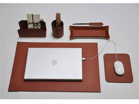 set da scrivania piquadro utili consigli per arredare il tuo ufficio