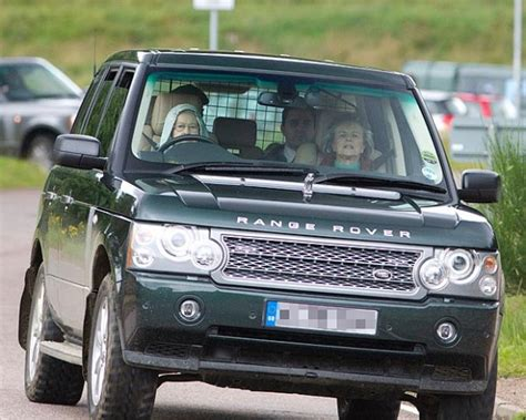 land rover queens queen elizabeth actually drives and she s got style