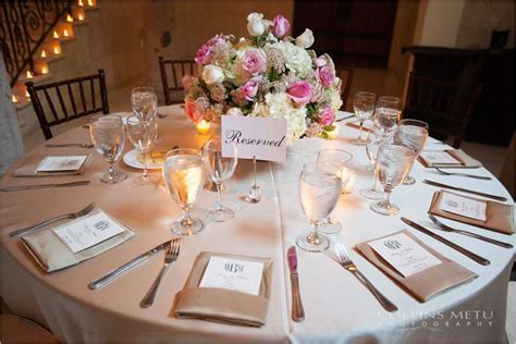 Classic champagne lamour table linen with champagne
