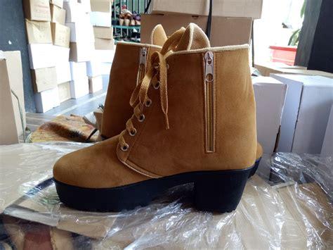 Sepatu Boots Heels Wanita Sb09 jual sepatu boots heels wanita hitam sbo99 cafana