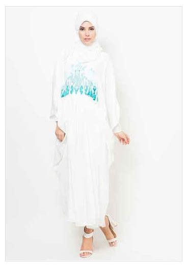 desain baju jubah kumpulan model baju jubah bordir muslim wanita 2015