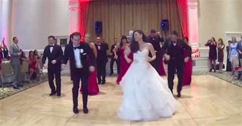 Wedding Uptown Funk by Wedding Guests Are Surprised With Uptown Funk