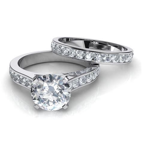 Set Cenel channel set engagement ring and wedding band bridal set