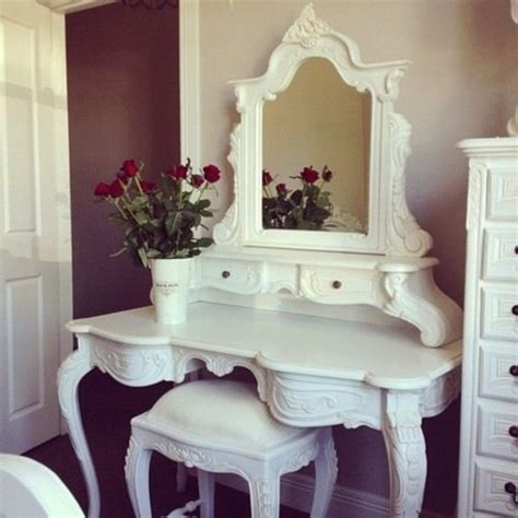 nail vanity home decor makeup table jewels