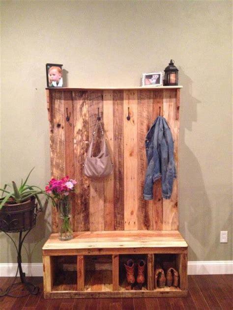 Pallet Coat Rack by 10 Reclaimed Wood Pallet Coat Rack 99 Pallets