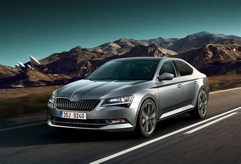 skoda suprb 2018 skoda superb to receive new tech updates and
