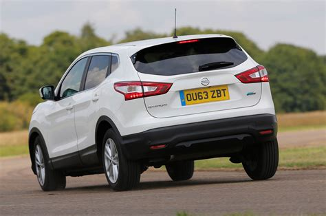 nissan range rover versus used nissan qashqai or range rover evoque