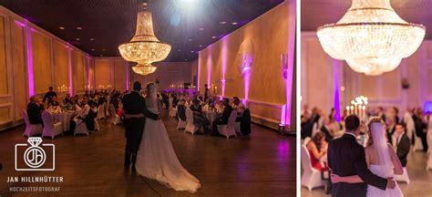 Kronleuchter Hochzeit by Hochzeitsfotograf Kupferbergterrasse